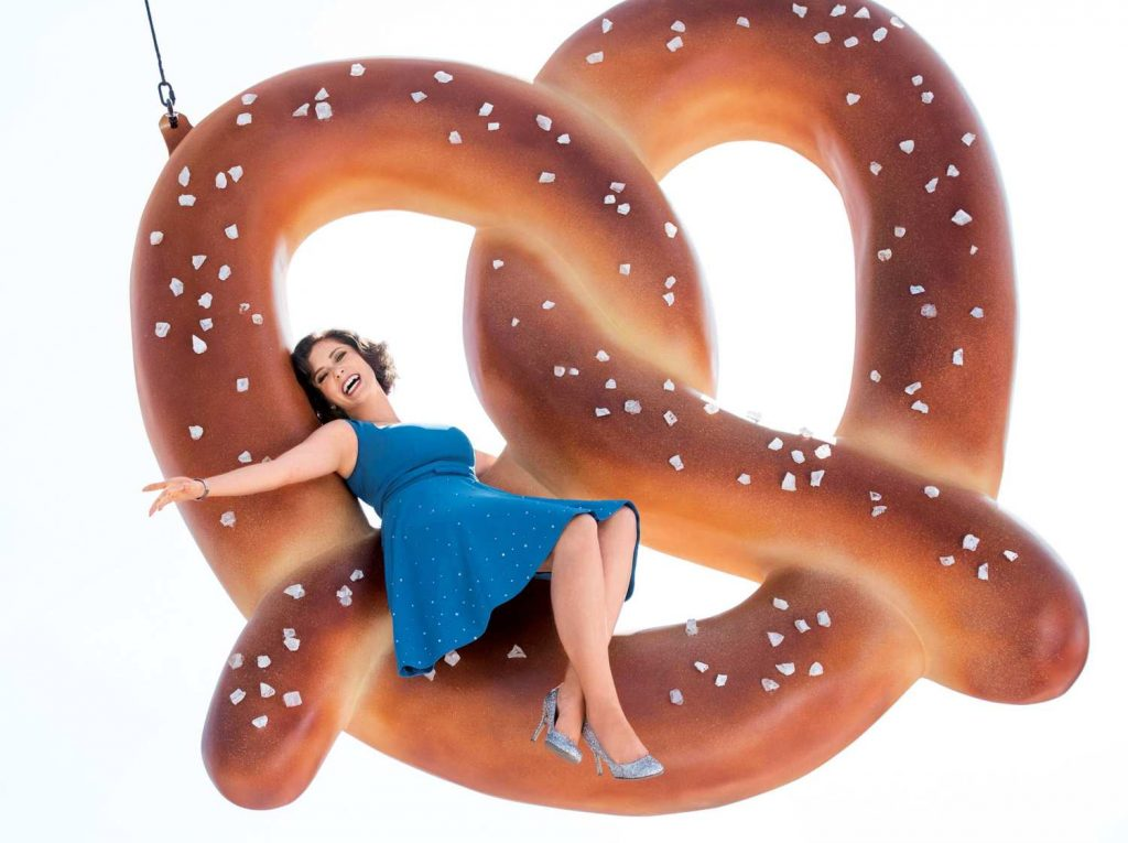 "3 Ways ""Crazy Ex-Girlfriend"" is Changing the Face of TV Comedy"