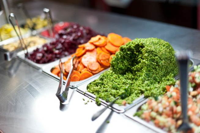 13 Tips for Eating Well in College