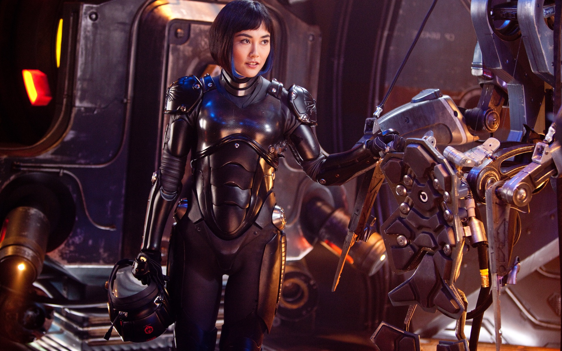 "What Could Improve and What Needs to Stay in ""Pacific Rim: Maelstrom"""