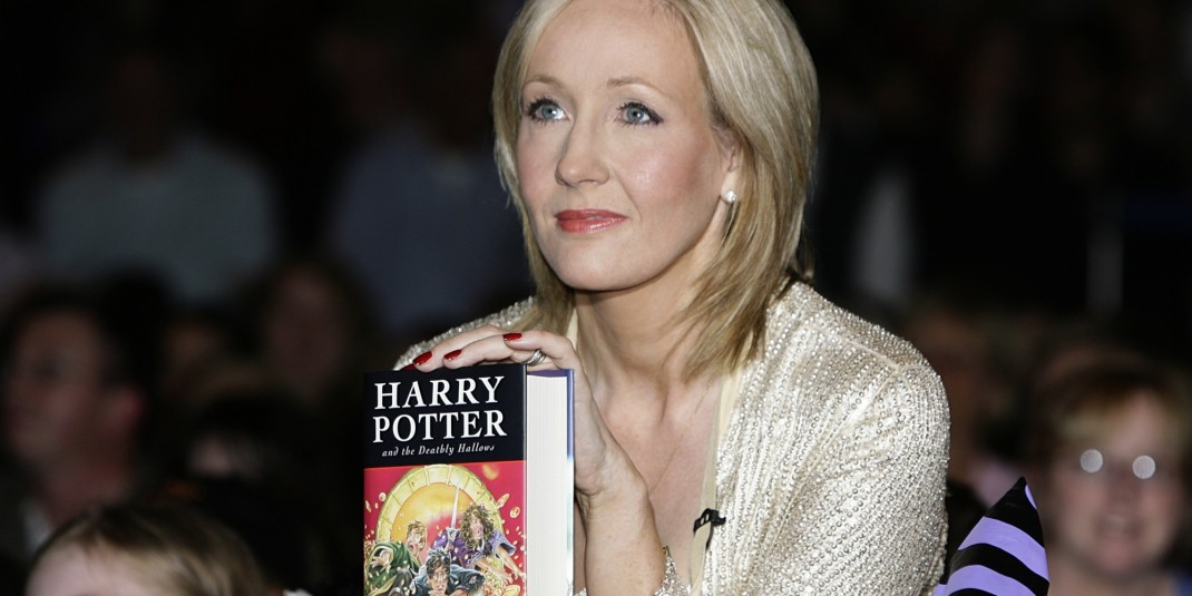 """What You Need to Know About J.K. Rowling's """"Harry Potter"""" Production, """"The Cursed Child"""""""