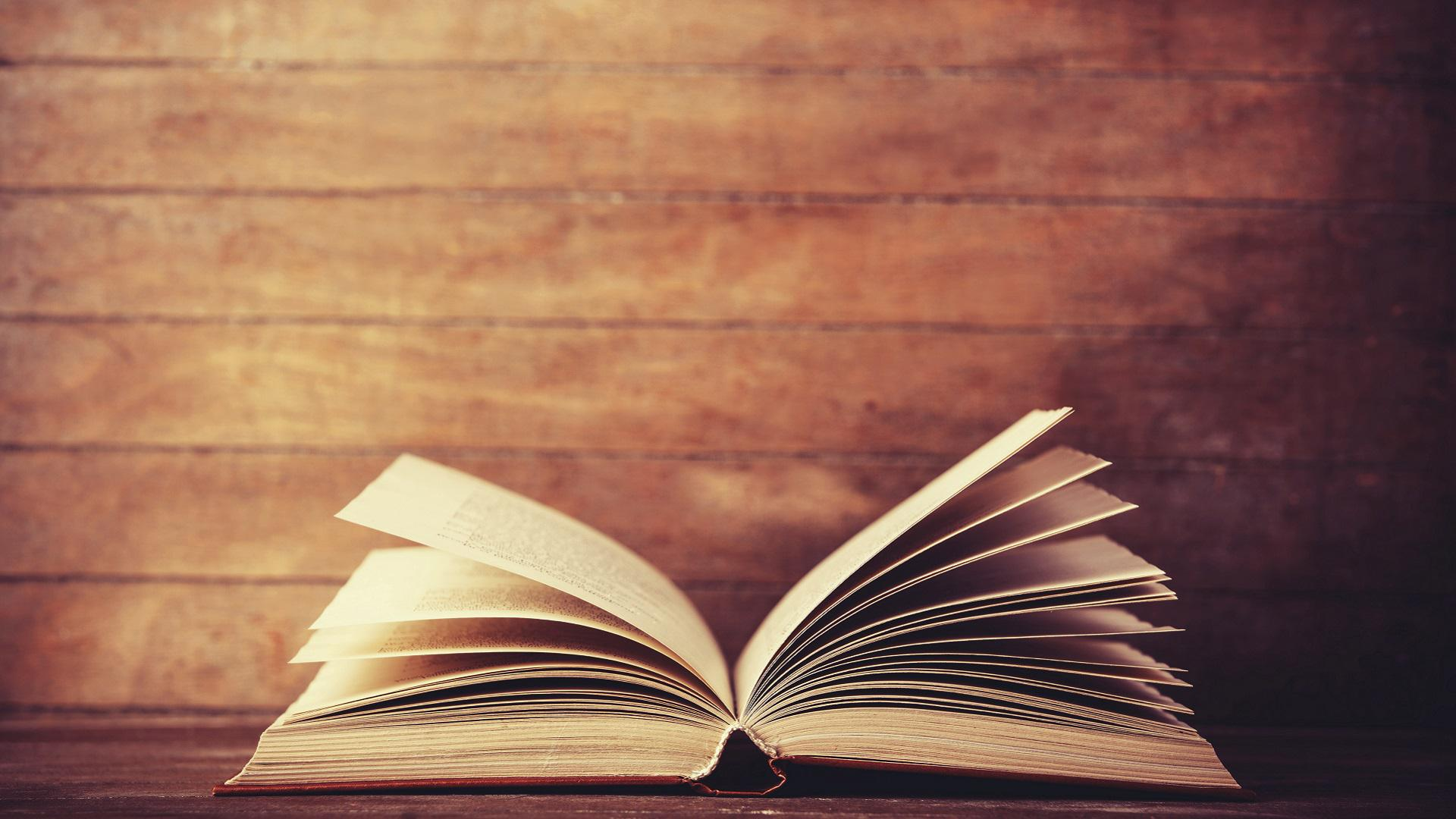 Open New Doors with the Common Reading Experience