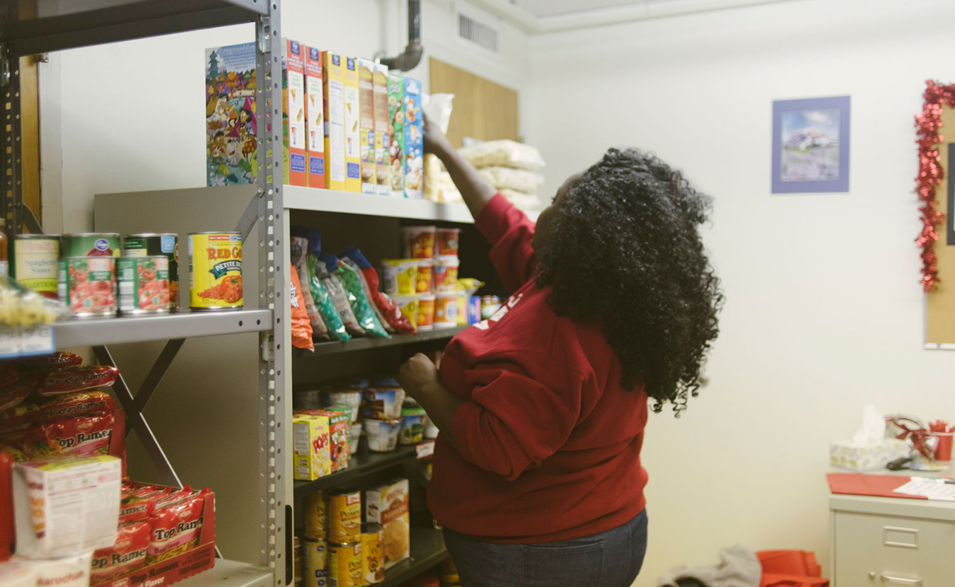 Food Scholarships Might Help Low-Income Students Stay in College