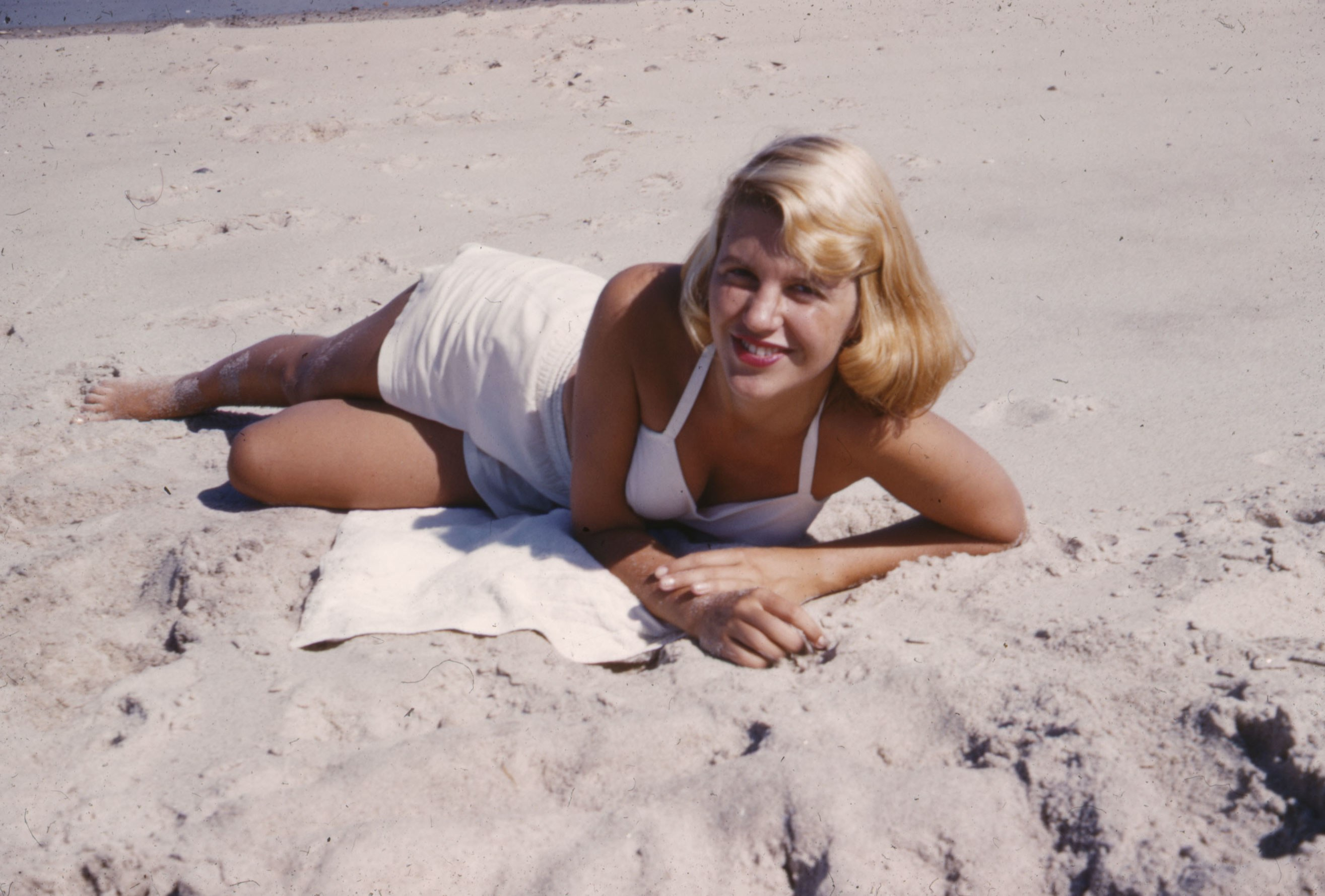 Sylvia Plath's newly discovered short story is both relevant and beneficial to college students. (Image via Vogue)