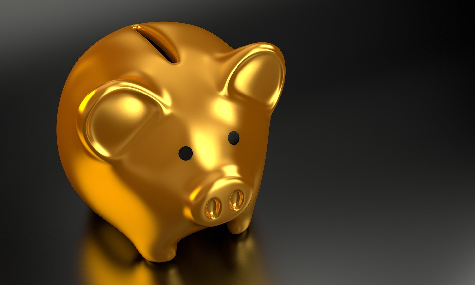 A photo of gold piggy bank in an article about saving your money