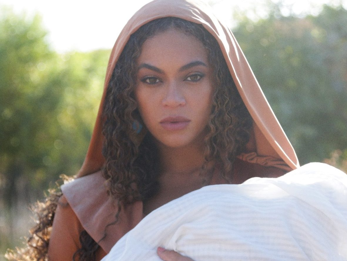 Beyonce posing as the mother of Moses in Black is King