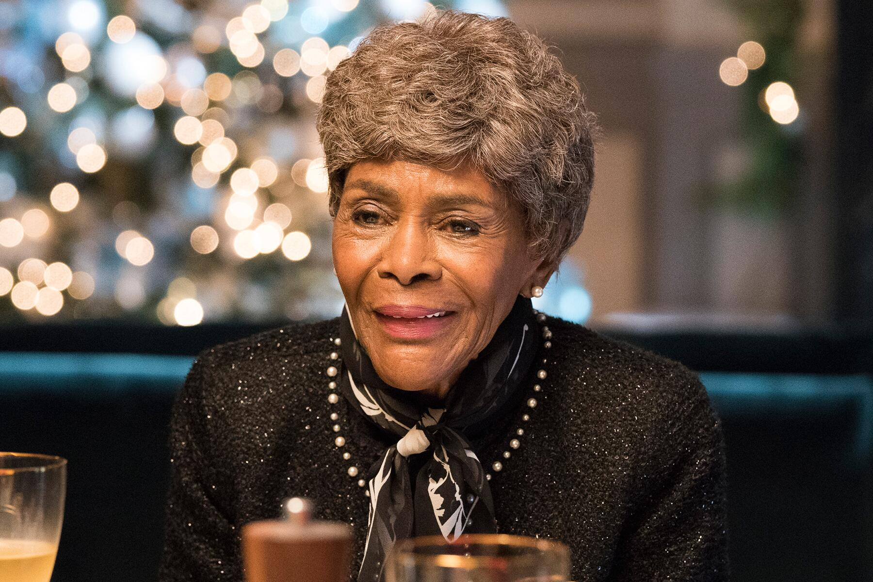 """An image of Cicely Tyson in """"How To Get Away With Murder"""" in an article about her legacy as a Black actress. (Image via Google Images)"""